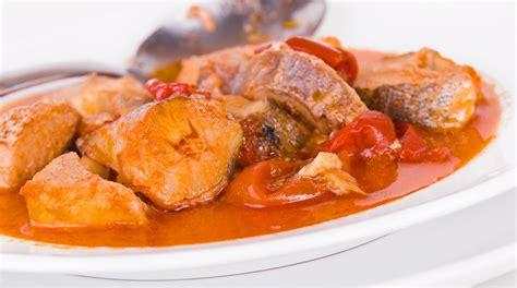 cucinare rana pescatrice in umido ricetta pescatrice in umido giornale cibo