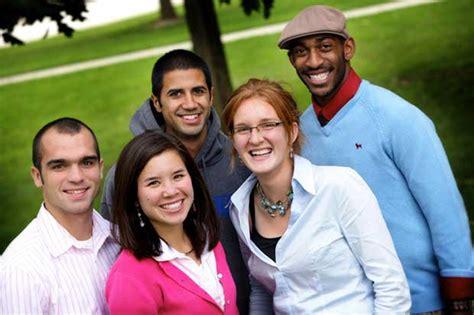 intern students incrementa tu inteligencia estudiando o trabajando en el
