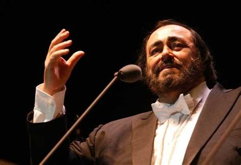 pavarotti best performance monday s tv highlights luciano pavarotti on great