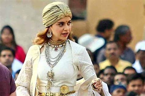 film queen cast manikarnika the queen of jhansi on the sets photogallery