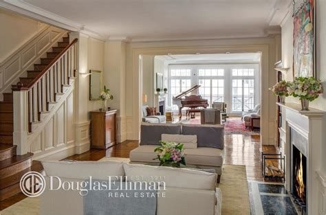East Side Apartment In A Hurry Wall Banker Buys Premier Park Avenue Duplex For 8