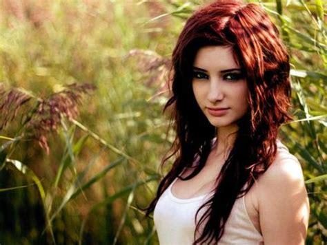 imagenes de tintes con rayos de color rojo aprende c 243 mo elegir el color de tinte para tu pelo