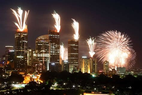 new year s eve fireworks in sydney abc news australian