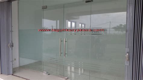 Tempered Glass Untuk Pintu pintu kaca tempered patch fitting teguh karya kaca aluminium