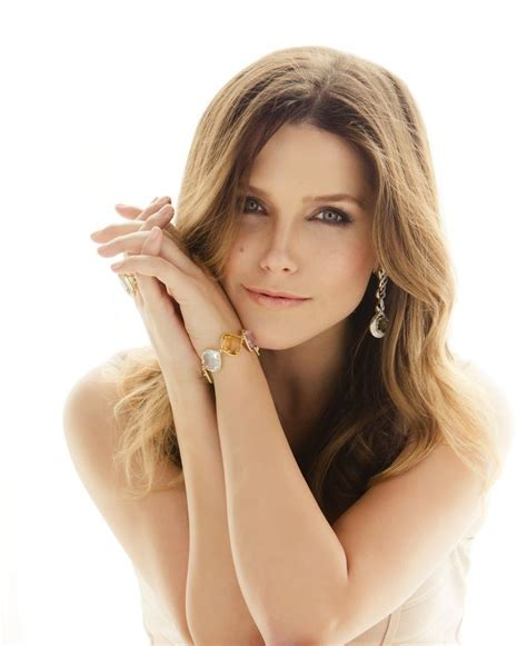 the female bush sophia bush beautiful women all over the world