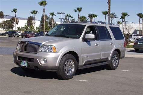 how make cars 2003 lincoln navigator parking system 2003 14 lincoln navigator consumer guide auto