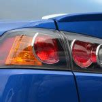 why do cops touch tail lights why does a policeman touch a tail light