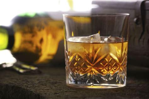 liquori da fare in casa 5 liquori da intenditori da fare in casa