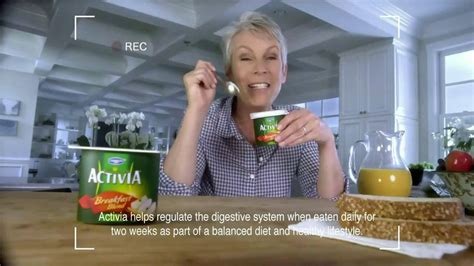 activia commercial actress activia breakfast blend tv commercial featuring jamie lee