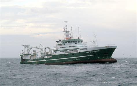Bottom trawling - Wikipedia