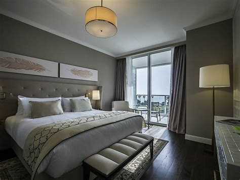 Gardenia Rooms To Go Rooms To Go King Size Bed A Kingsized Bed Opposite A