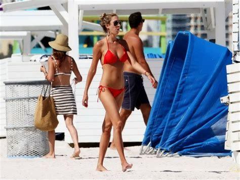 emma watson wedgie stories apexwallpapers com lauren stoner red bikini at a beach in miami gotceleb