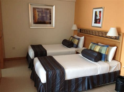 dubai 38 3 bedrooms hotel bur apartments in dubai billige hotels dubai citymax golden sands winchester