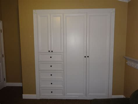 turn  standard wall closet   custom built