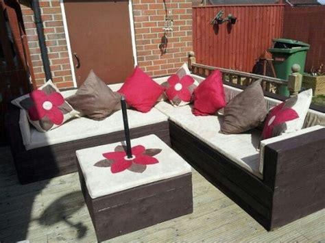 pallet couch ideas top 30 diy pallet sofa ideas 101 pallets