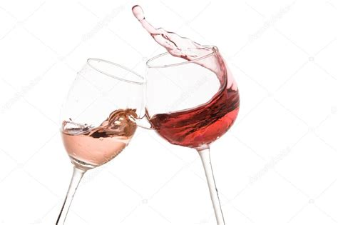 foto bicchieri brindisi bicchiere di vino brindisi su sfondo bianco foto stock