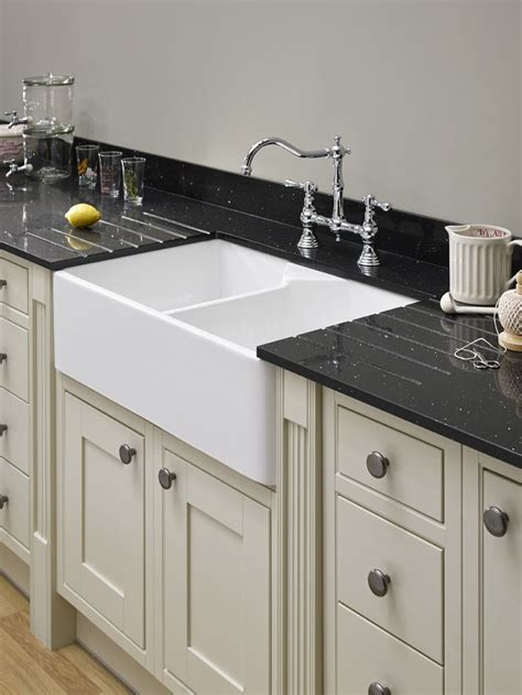 kitchen with belfast sink 13 best images about traditional kitchens on pinterest