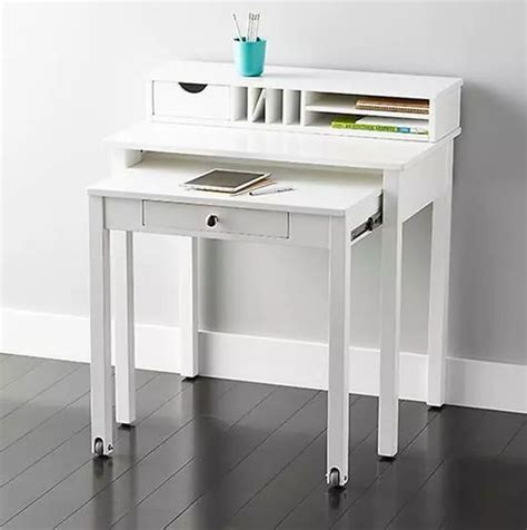 white small desk 25 best ideas about small desks on ikea small