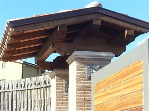 davanzali interni in legno tettoia sopra cancello san cesareo