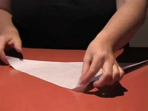 How To Make Piping Bag Out Of Parchment Paper - how to make a paper piping bag