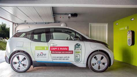 elektroauto zuhause aufladen fertiggaragen vom zapf garagen profi alles aus einer