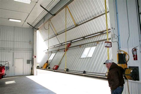 Machine Shed Doors by Machine Sheds Schweiss Doors Bifold And Hydraulic Doors