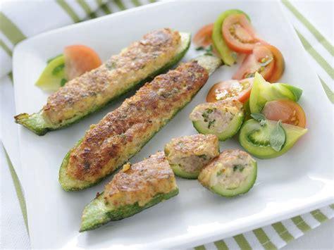 fiori di zucchine ripiene al forno zucchine ripiene alla salsiccia sale pepe