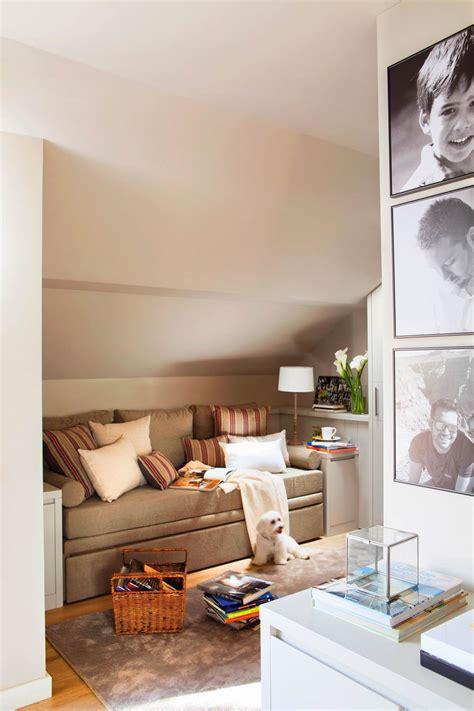 decoracion estudio con sofa cama decorar el cuarto de invitados