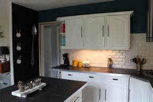 opposer les couleurs comment relooker une cuisine