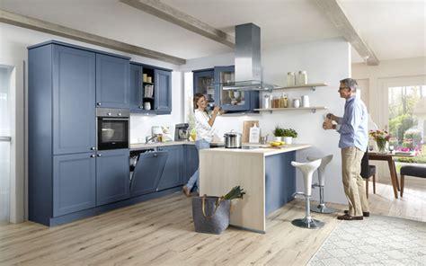 landhausküchen bilder wohnzimmer regal dekorieren