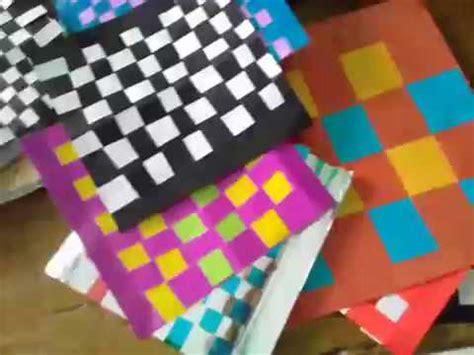 Tikar Lipat Anyaman membuat kreasi anyaman dari kertas lipat