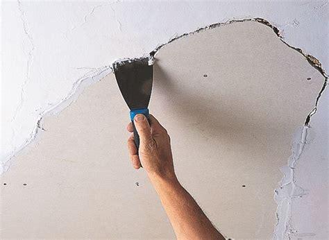 How to repair a ceiling   Ideas & Advice   DIY at B&Q