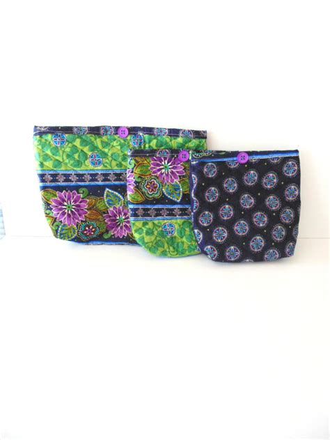 Quilted Makeup Bags by Handmade Quilted Makeup Bag Set With Navy And Green Pads
