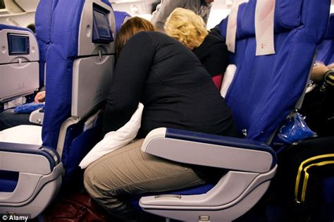 reclining seats on planes three quarters of britons want airlines to ban reclining