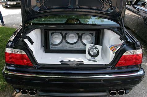 Auto Soundanlage by Foto Wei 223 Eingekleideter Kofferraum Mit Soundanlage Im