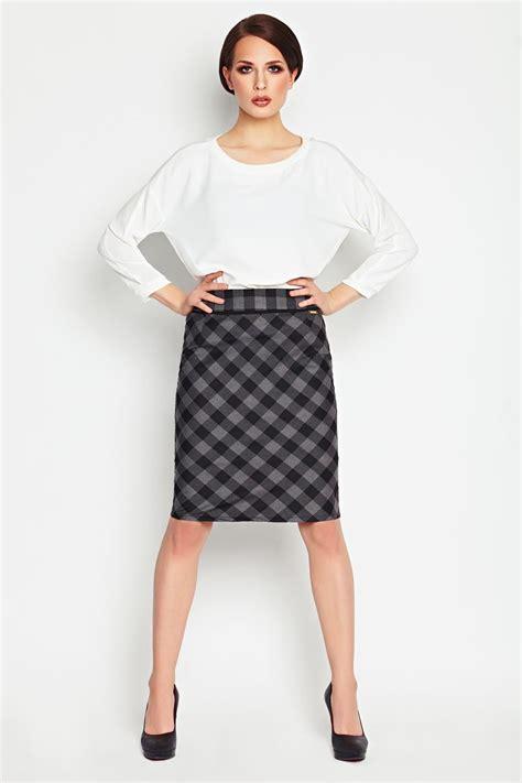 grey checkered pencil skirt