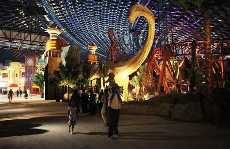 Stiker Dinding Glow In The Ap Dubai dubai dubai opens world s largest indoor theme park