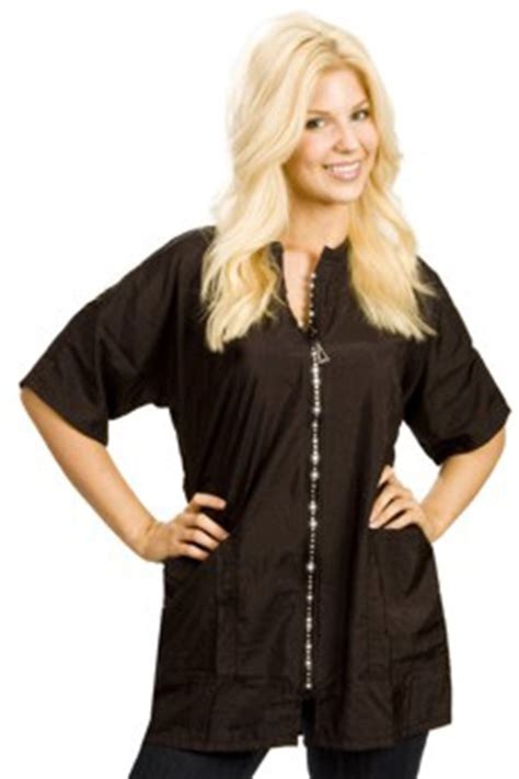 can a plus size woman be a hairstylist 169 the groomer s mall stylist wear groomer s apparel