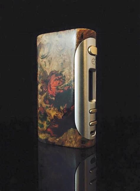 Vgod Premium Custom By Dexaos vape and boxes on