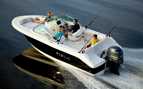 family boats longshore boats blog the new robalo 207 family fun
