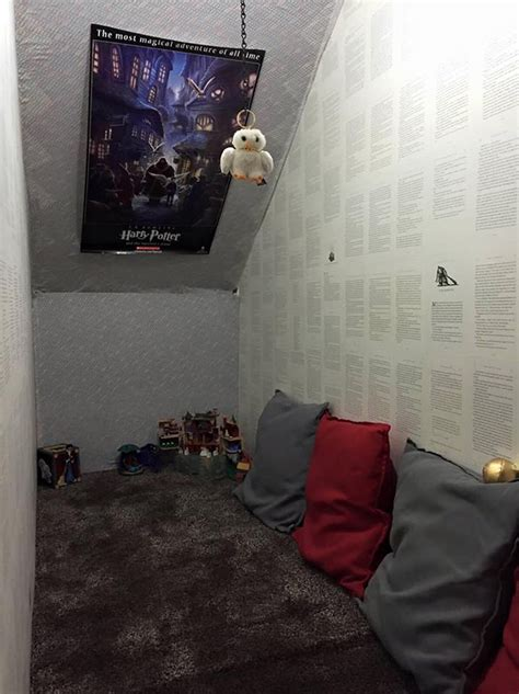 mom turns cupboard under the stairs into harry potter room bored panda