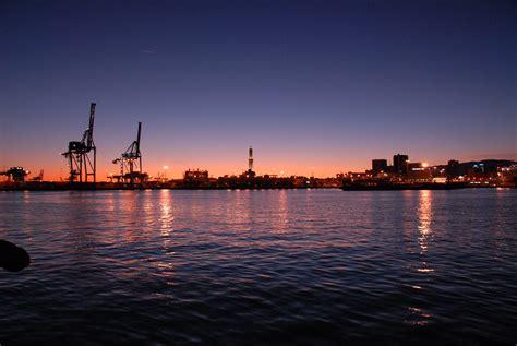 foto porto di genova navi e armatori approdi di passione