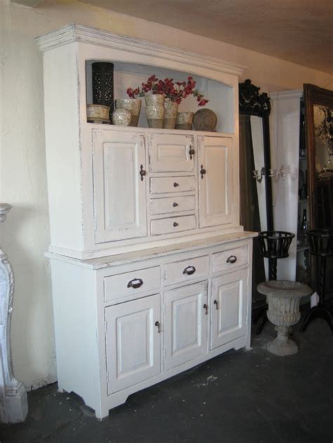 white distressed kitchen cabinets 1000 ideas about white distressed cabinets on pinterest