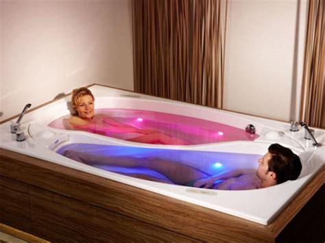 fare l nella vasca da bagno doppia vasca da bagno doppio rilassamento ceramiche bagno