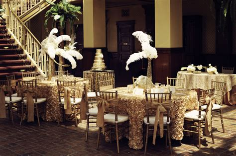 Great Gatsby Wedding Decorations by Glittery Gold Gatsby Inspired Wedding Shows How One Color Weddings Can Really Sing Storyboard