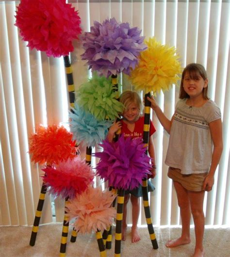 How To Make Lorax Trees Out Of Tissue Paper - 1000 ideas about truffula trees on dr seuss