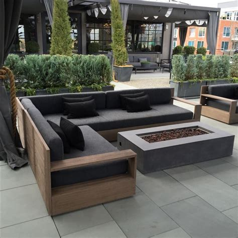 Outdoor couch outdoor couch on pinterest diy garden furniture pallet sofa and outdoor
