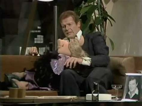christopher reeve muppet show youtube the muppet show s5 e24 p1 3 roger moore youtube