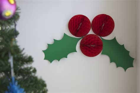 christmas wall decoration ideas giant holly christmas decorations