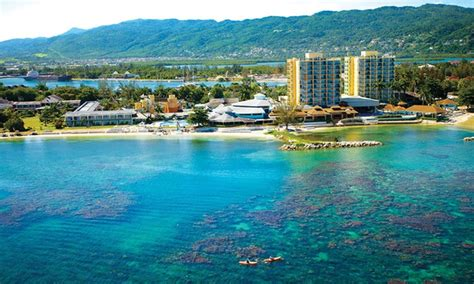 sunscape splash montego bay stay with airfare from apple vacations in montego bay groupon getaways